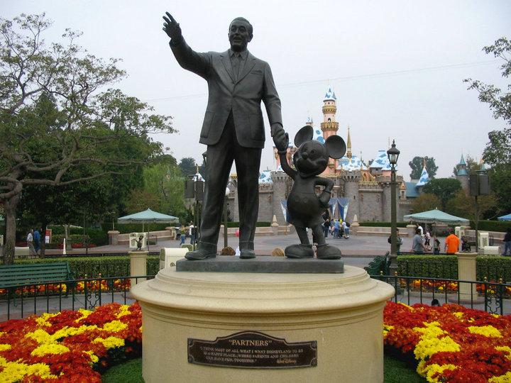 Historia de Walt Disney resumida 4